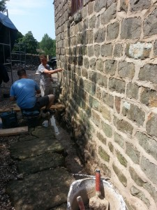 Re-pointing with lime mortar